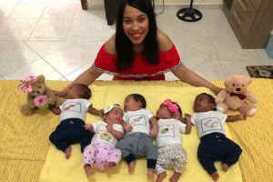 """Bebés quintillizos latinos salen del hospital a tiempo para celebrar el """"Día de las Madres"""" en Nueva York"""