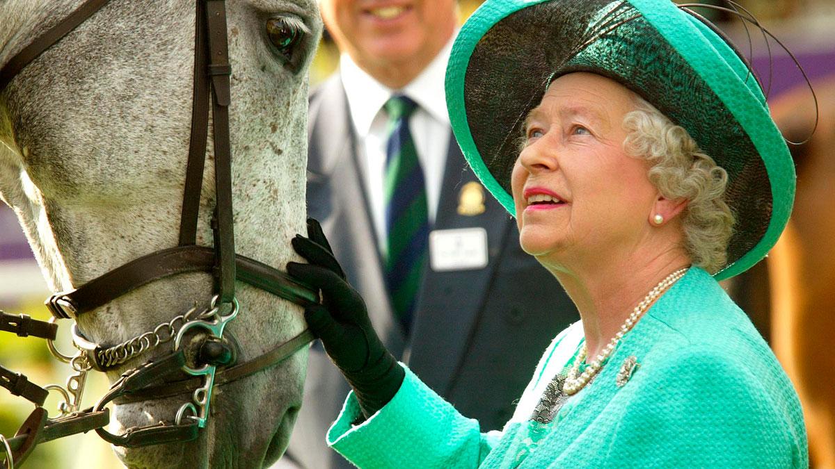 A la fecha, la reina ha ganado en 534 carreras de caballos.
