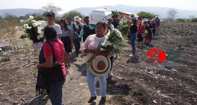 Dan último adiós al niño que murió por una bala perdida en Cholula, Puebla
