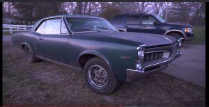 Programa de autos encuentra colección de Pontiacs antiguos