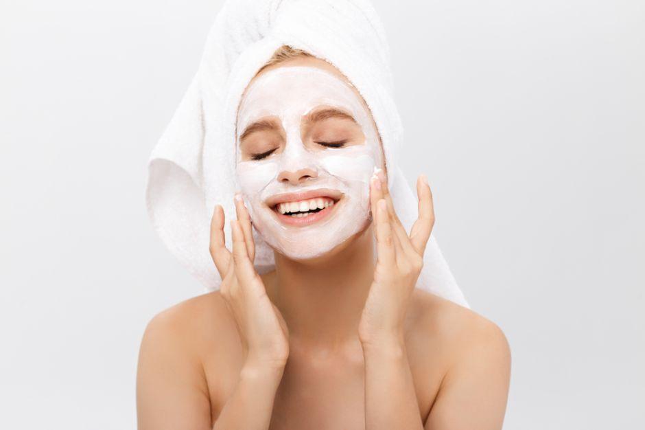 Las 4 mejores mascarillas para desintoxicar tu rostro y eliminar las  células muertas | La Opinión