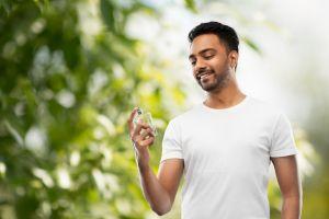 Las 5 mejores fragancias masculinas suaves en spray para usar en primavera