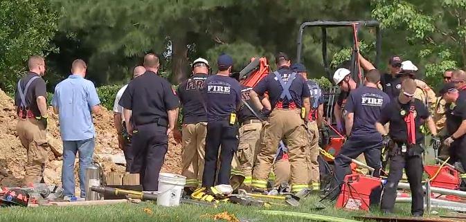 HOUSTON: Un hombre queda atrapado tras un colapso en la zanja donde trabajaba