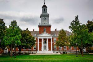 Las donaciones más grandes que los millonarios han hecho a las universidades