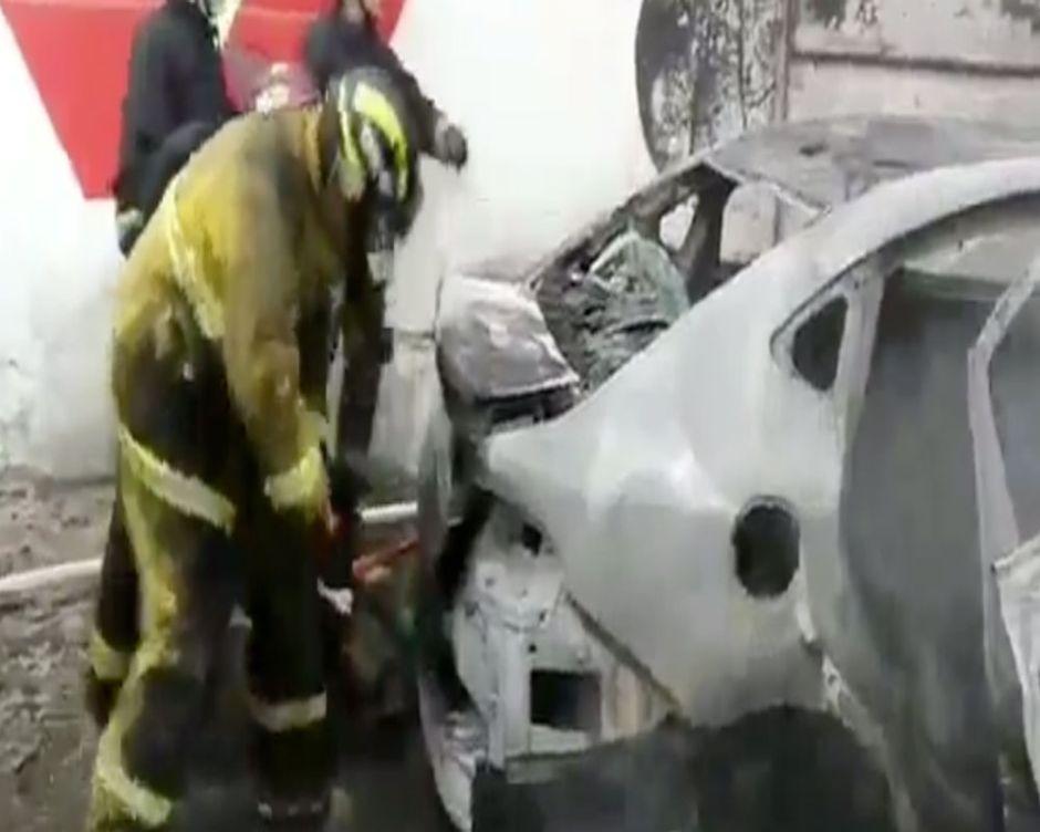 VIDEO: Bomberos hallan desagradable sorpresa dejada por narcos en México