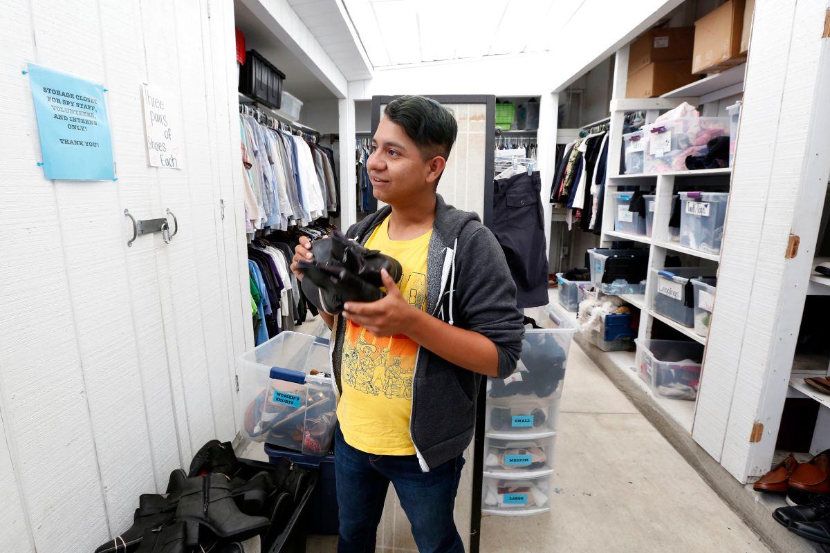 Apple Lazo encontró ayuda en el Centro LGBT de Los Ángeles. / foto: Aurelia Ventura.