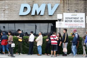 ¿Por qué se demoran cada vez más las nuevas licencias de manejo con REAL ID?