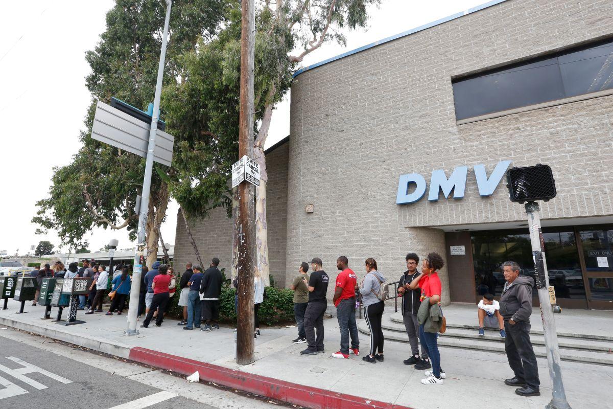 El Censo pide al DMV datos sobre nacimientos, direcciones, raza, origen hispano y ciudadanía.