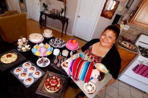 El dulce negocio que una latina realiza desde la cocina de su casa