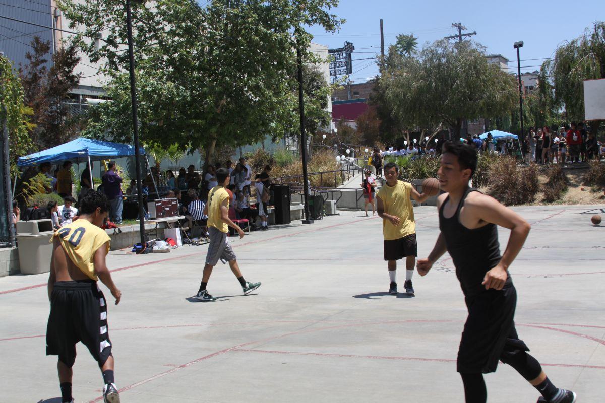 Comunidad en Echo Park rechaza cierre de un parque para construir vivienda