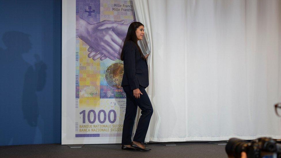 ¿Por qué los suizos siguen amando el dinero en efectivo?