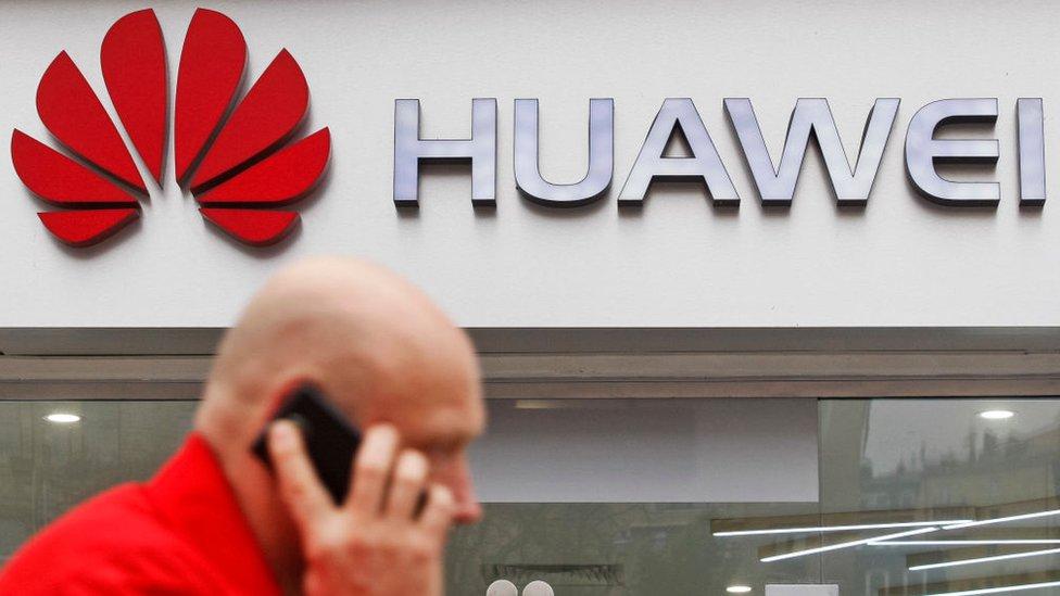 Huawei fue sancionada por el Dpto. de Comercio de EEUU.