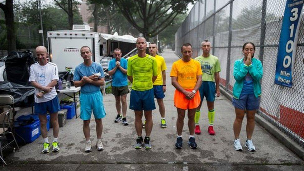 Así es la carrera más larga del mundo, de 5000 km alrededor de una cuadra en Nueva York