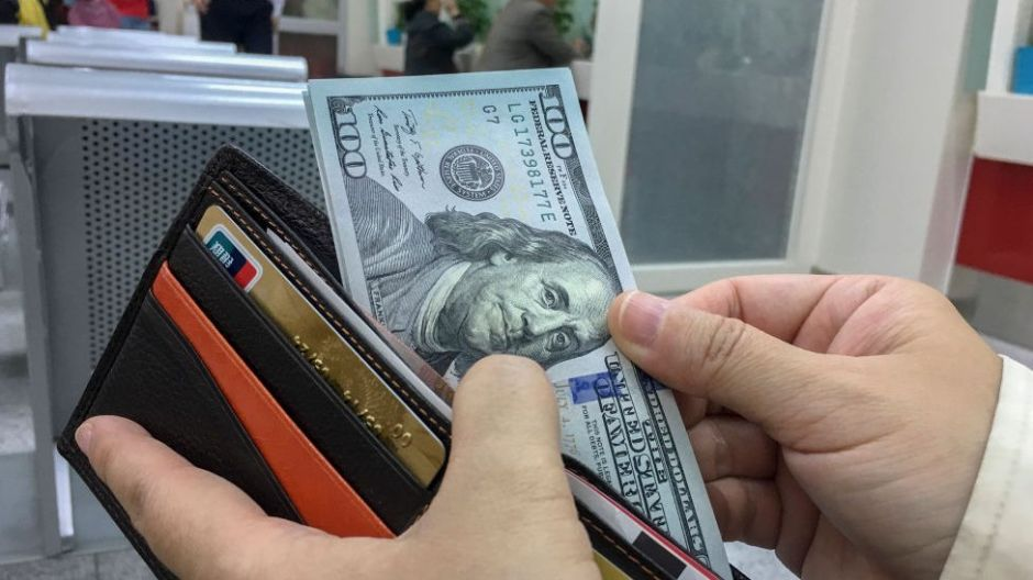 El experimento que muestra que la gente devuelve más las billeteras perdidas con dinero
