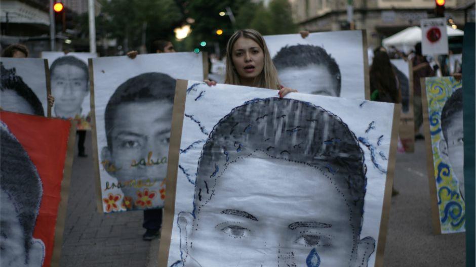 Buscan en basurero a los 43 de Ayotzinapa