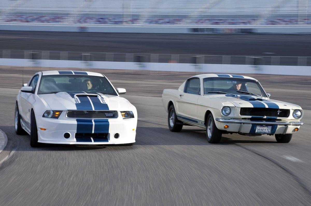 Ponen a prueba un Shelby GT350R nuevo y uno viejo