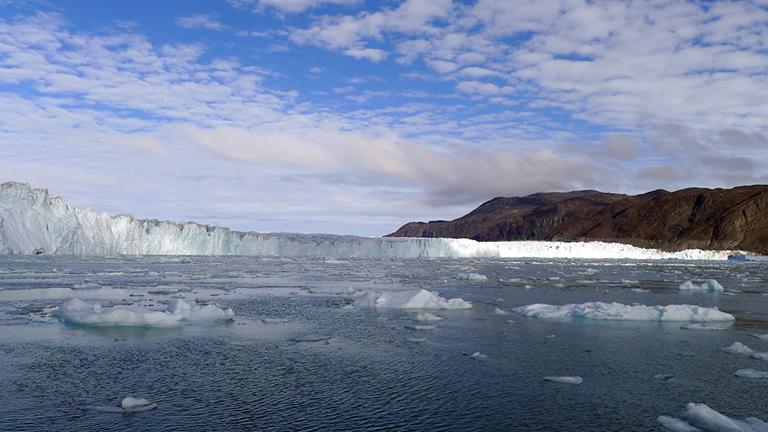 Se derrite en un día casi la mitad del hielo del hielo de Groenlandia