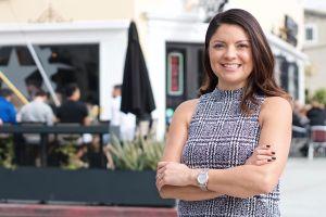 Lena González gana asiento en el Senado de California