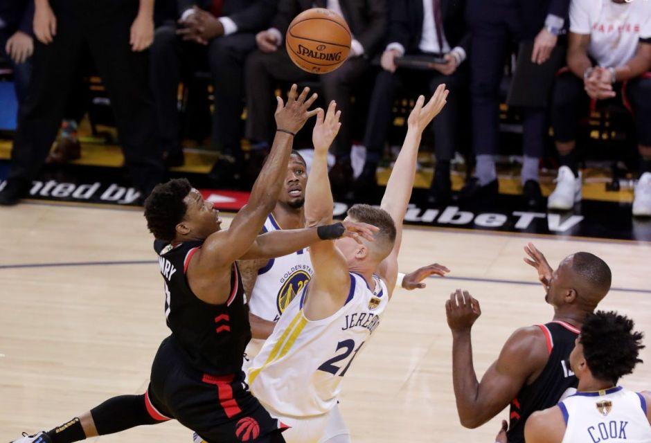 Toronto volvió a impresionar y se adelanta a Golden State en la final de la NBA