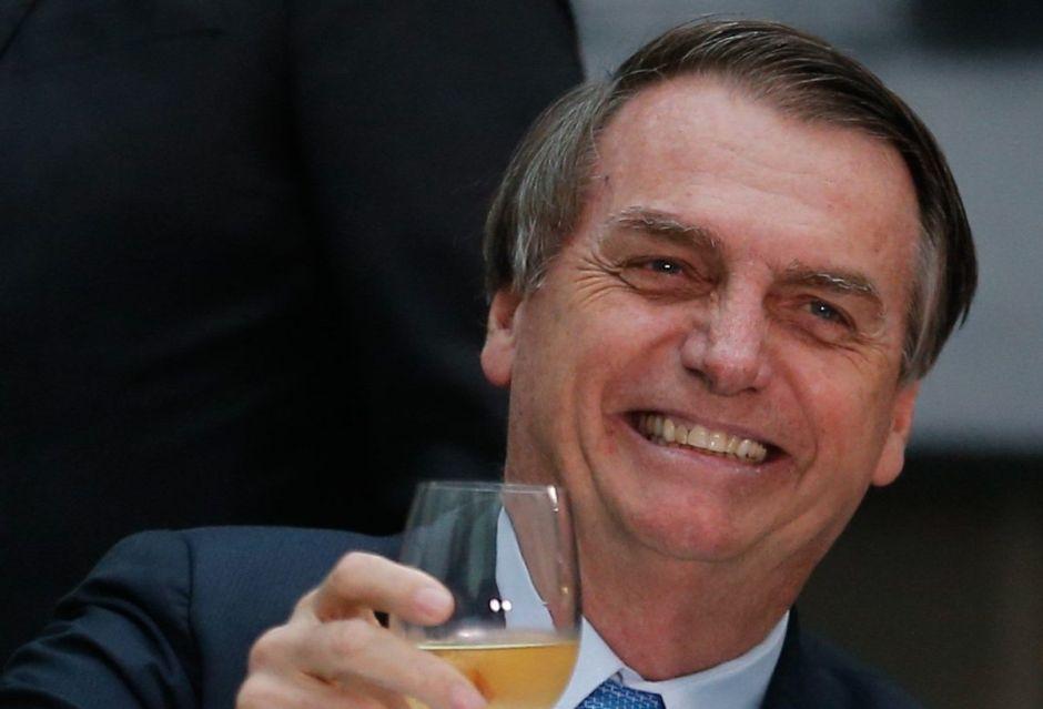 Bolsonaro sigue defendiendo a Neymar ante la seria acusación que pesa sobre él