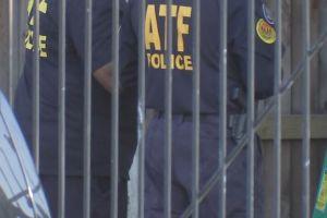 Houston: Agentes federales arrestan a 5 personas, decomisan armas y drogas
