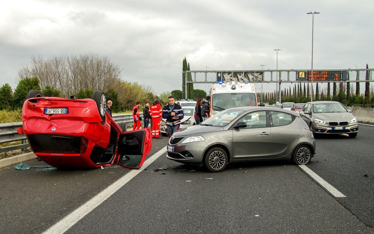 ¿Quién es culpable en un accidente por invasión del carril?