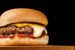 Nestlé lanzará su propia carne de hamburguesa a base de plantas