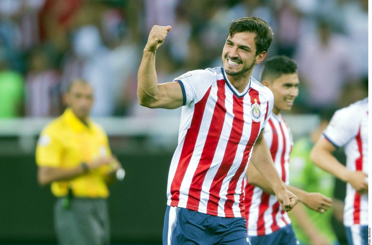 Chivas confirma el regreso de Oswaldo Alanís procedente de España