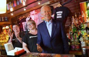 Biden muestra su apoyo incondicional a los grandes olvidados de Trump