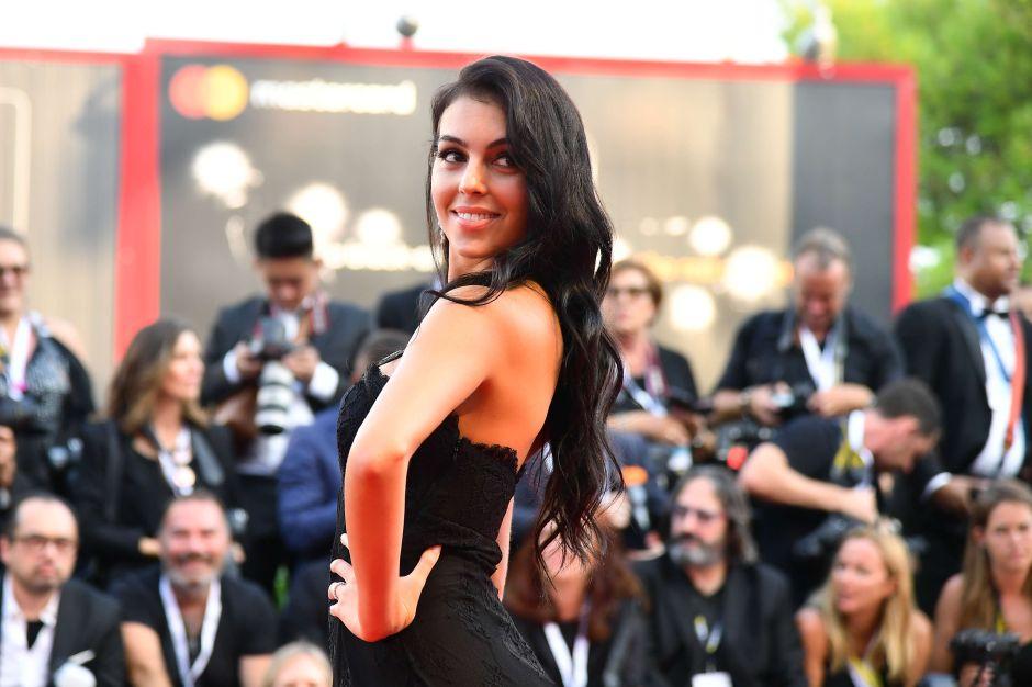 Así amanece Georgina Rodríguez, la novia de Cristiano Ronaldo, en su camita