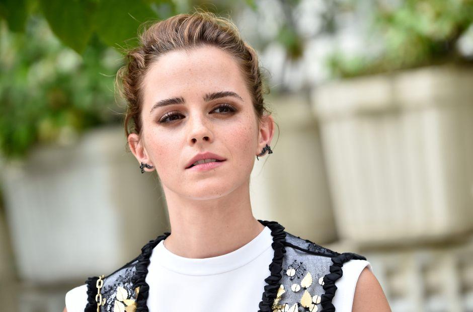 Emma Watson sexy con su bikini blanco