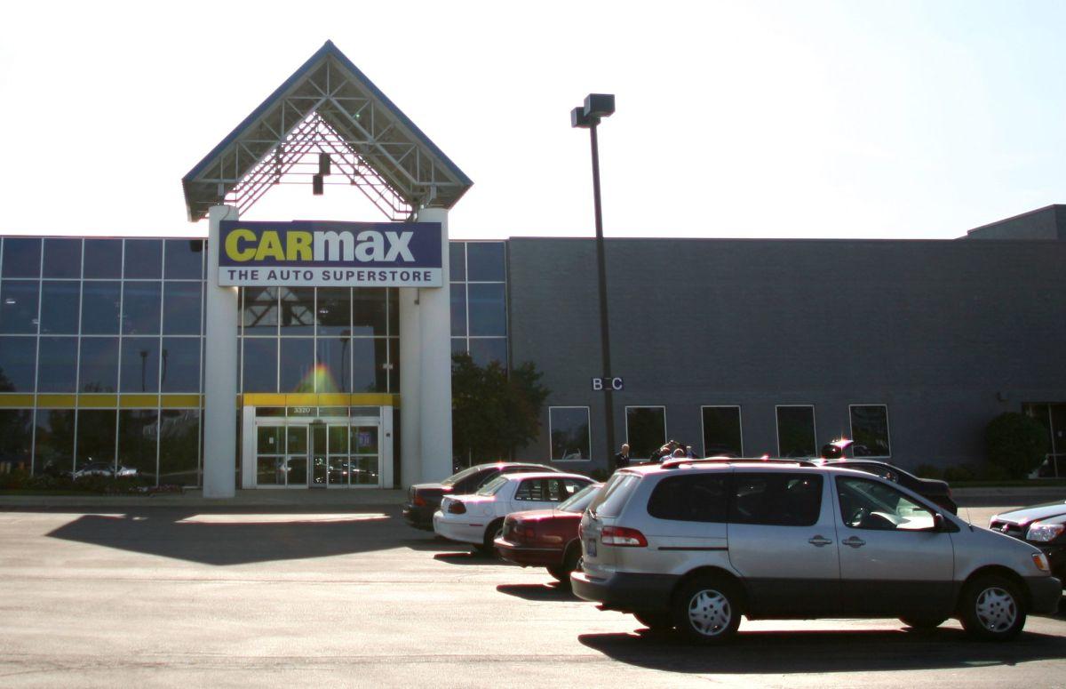 Cómo puedo comprar un auto a través de Carmax