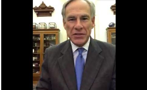 Gobernador de Texas firma ley a beneficio de maestros