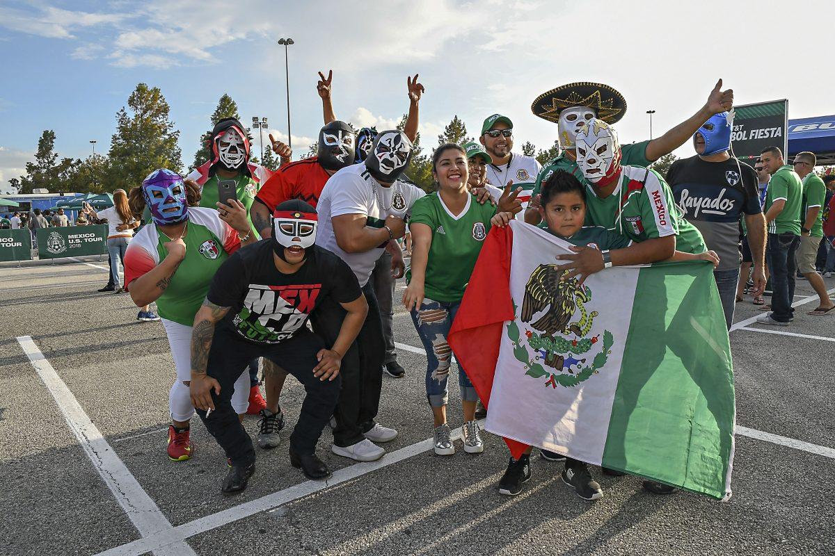 Mexicanos en Houston pagan más de mil dólares el boleto para ver jugar al Tri en Copa Oro