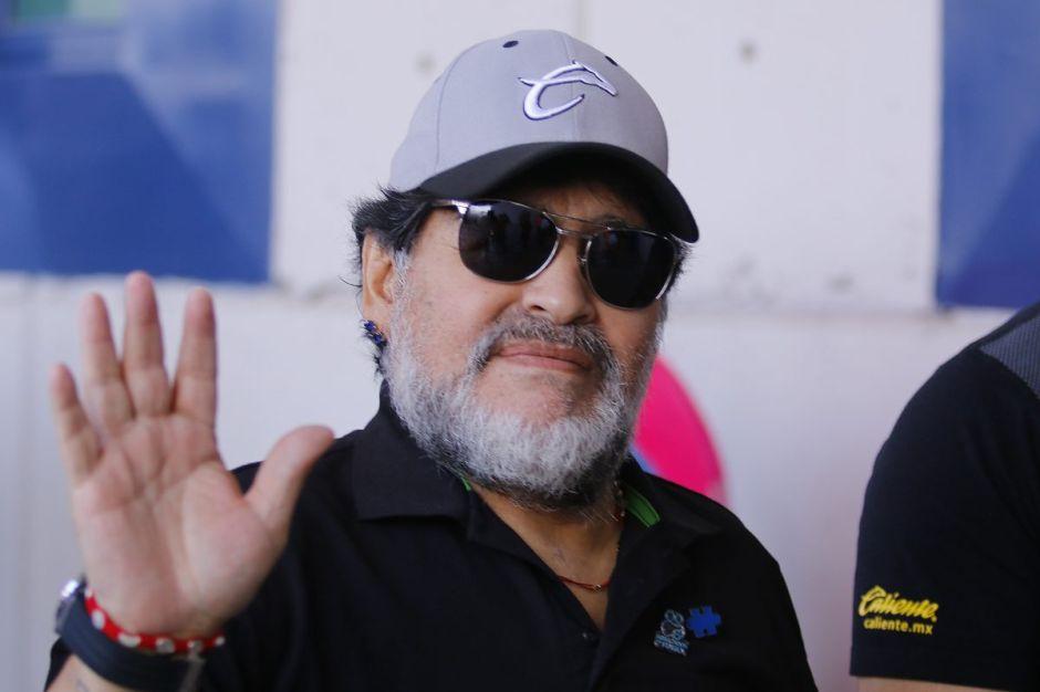Maradona dice adiós al banquillo de los Dorados de Sinaloa