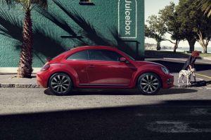 El Volkswagen Beetle es un clásico para conducir en la ciudad y te encantará su precio