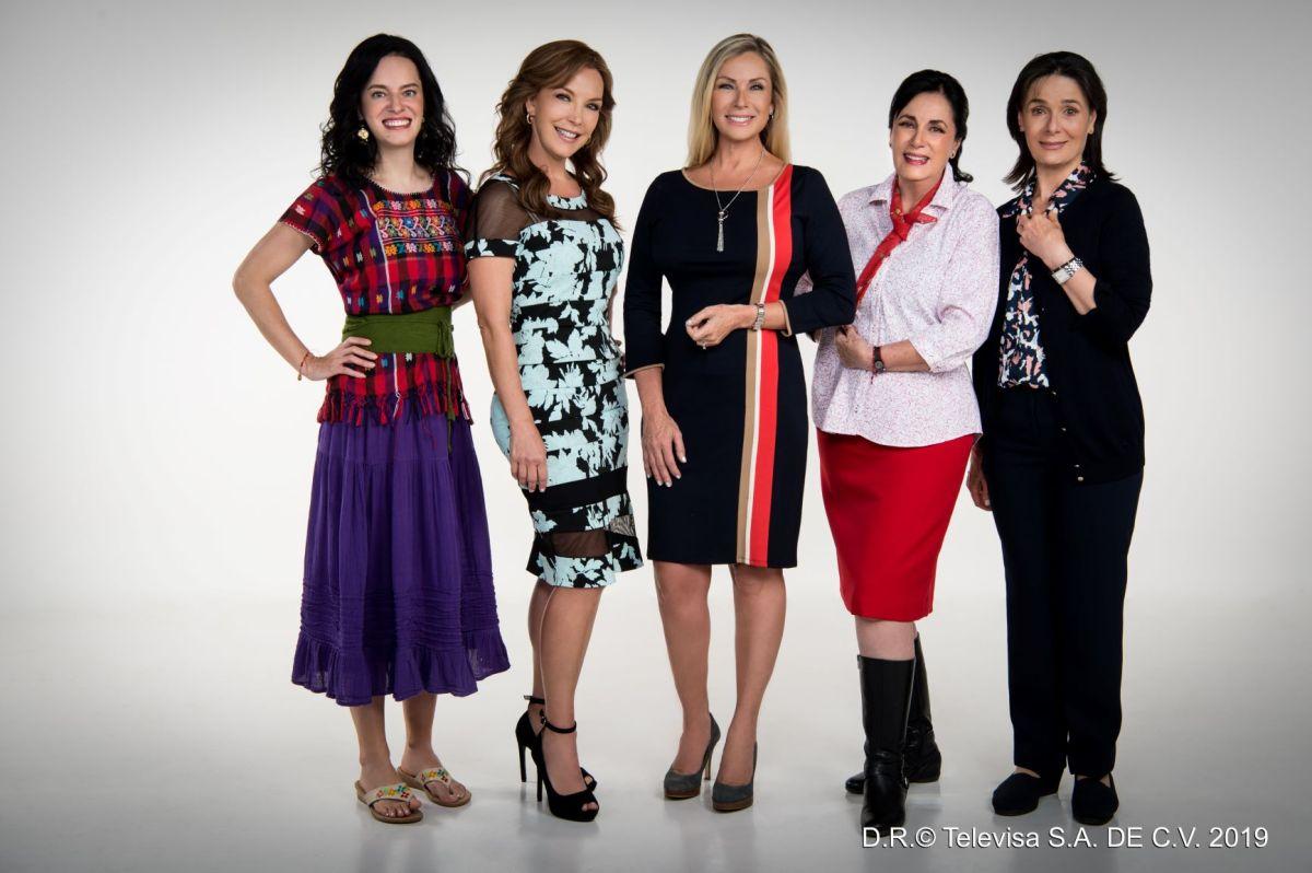 """La familia femenina de """"Juntos, el corazón nunca se equivoca"""" / Foto: Televisa"""