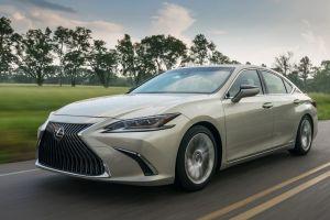 El Lexus ES Hybrid 2019 viene con todo el confort de un auto de lujo + VIDEO