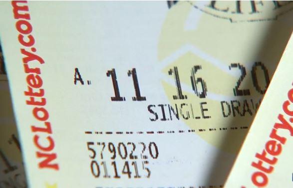 Ganó $500,000 en la lotería pero su pareja le robó el ticket y huyó con él