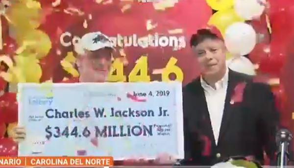 Gracias a este acto de su nieta fue como ganó los $344 millones en el Powerball