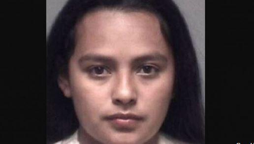 Mujer de Texas acusada de haberle quemado la cara a su hijastra porque no dejaba de gritar
