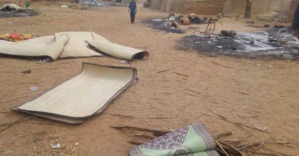 Masacre contra etnia en Mali, prenden fuego a aldea, hay al menos 100 muertos