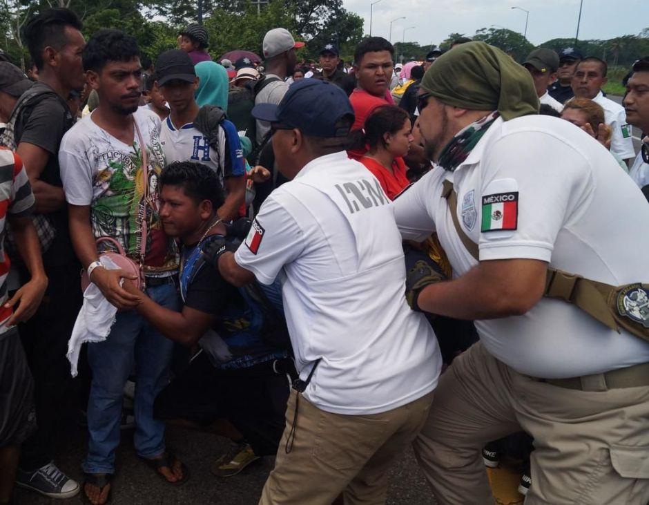 Denuncian arresto de defensores de DD.HH. en México que apoyaron caravana