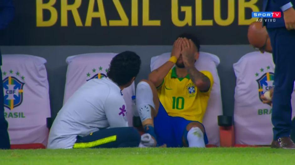 Video: el momento en que Neymar se quiebra y rompe en llanto en la banca