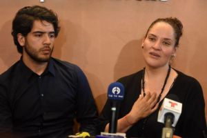 """""""Venía por el diploma de mi hijo y me llevó su certificado de defunción"""", dice mamá de Norberto Ronquillo"""