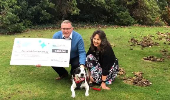 Gana más de $1 millón en la lotería gracias a su perro