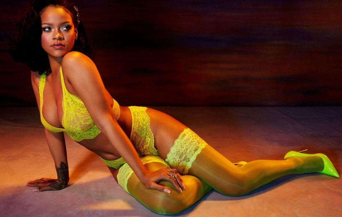 Rihanna levanta pasiones jugando, con un osito de peluche, a ser la más traviesa en lencería