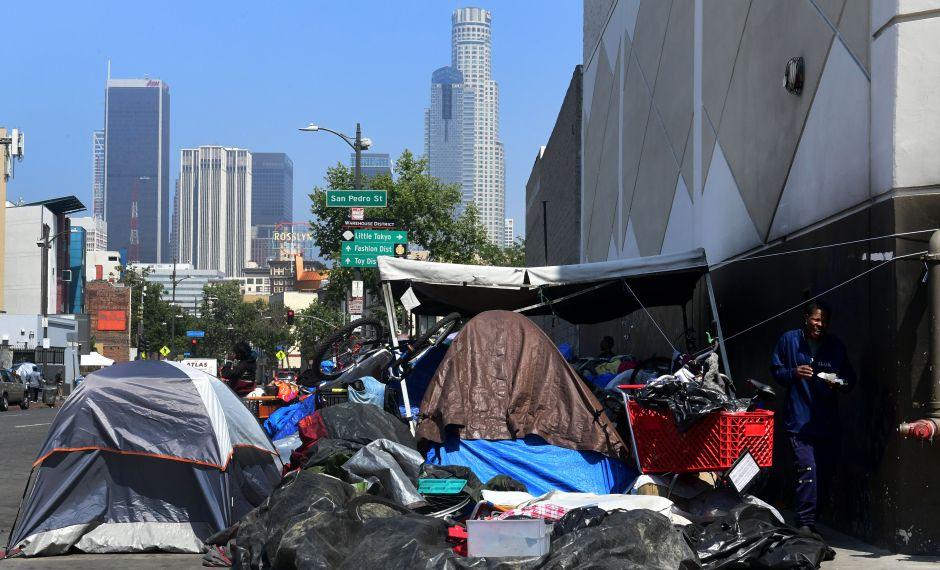 Reportan el primer caso de posible contagio de coronavirus en un desamparado de Los Ángeles