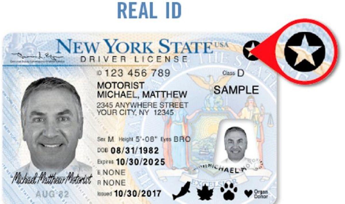 Trump extiende la fecha límite de Real ID para los viajeros debido a coronavirus