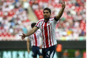 Jair Pereira defiende a Matías Almeyda y asegura que no mandó a jugadores de Chivas a golpear a Sambueza